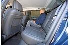 Peugeot 508 SW HDi 160, Rücksitz, Beinfreiheit