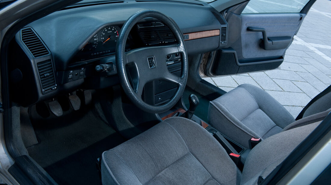 Peugeot 605 2.0 Sri, Cockpit, Lenkrad