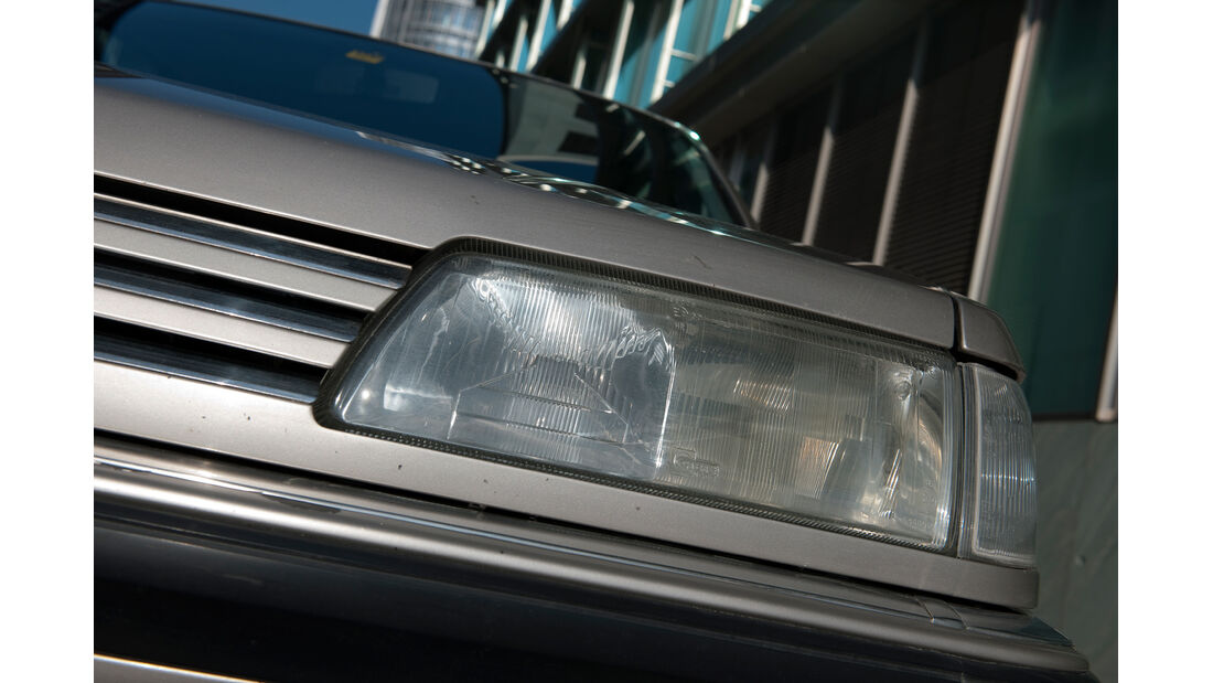 Peugeot 605 2.0 Sri, Frontscheinwerfer