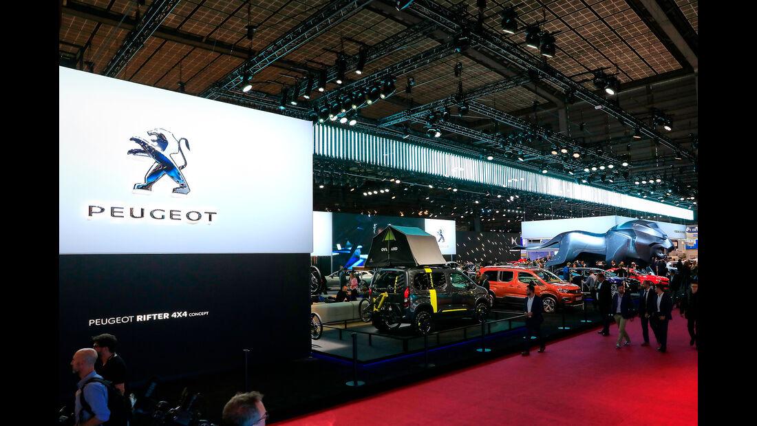 Peugeot: Messestand Pariser Autosalon 2018
