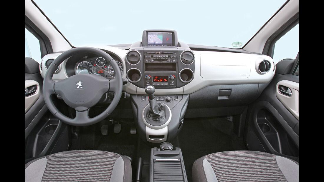 Peugeot Partner Tepee HDi 115, Cockpit, Lenkrad