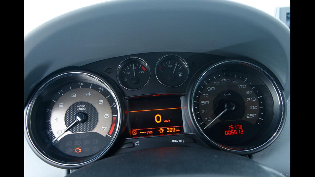 Peugeot RCZ 1.6 200 THP, Rundinstrumente