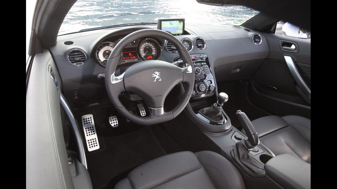 Peugeot RCZ 2.0 HDi 160, Cockpit, Lenkrad