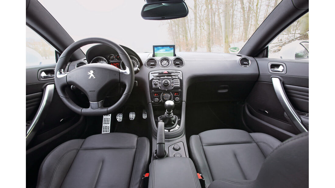 Peugeot RCZ 2.0 HDi FAP 163, Cockpit, Lenkrad