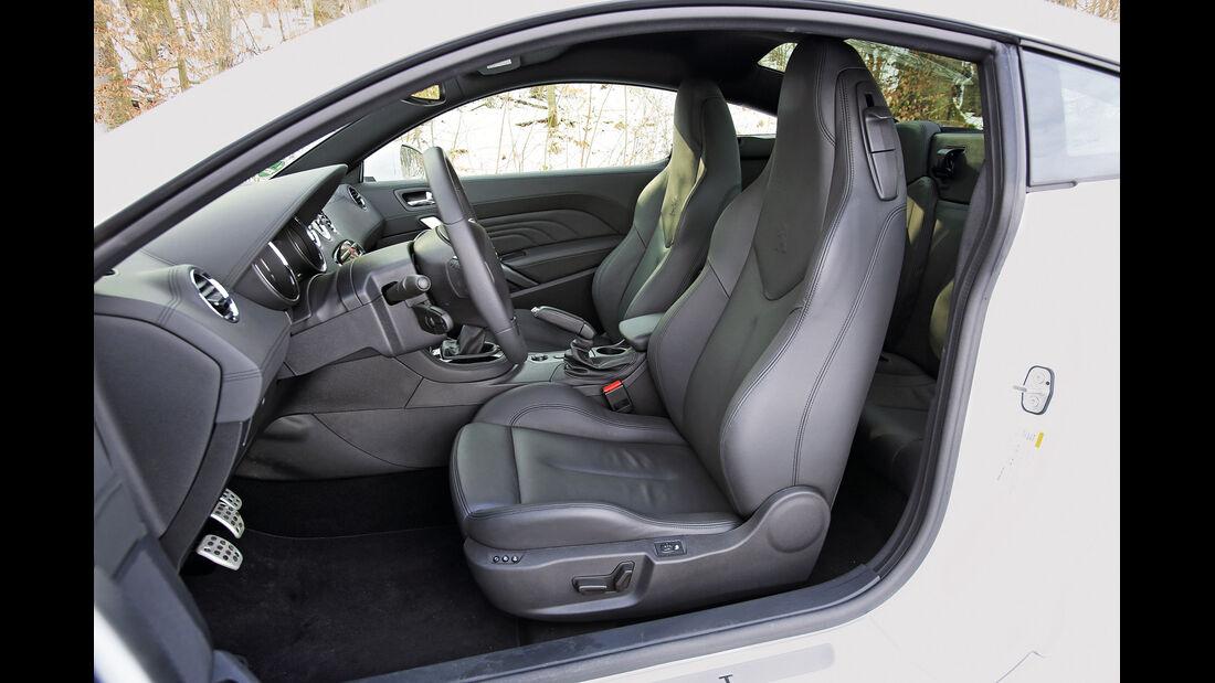 Peugeot RCZ 2.0 HDi FAP 163, Fahrersitz