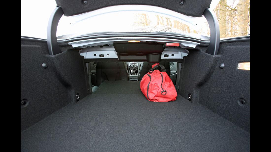 Peugeot RCZ 2.0 HDi FAP 163, Ladefläche