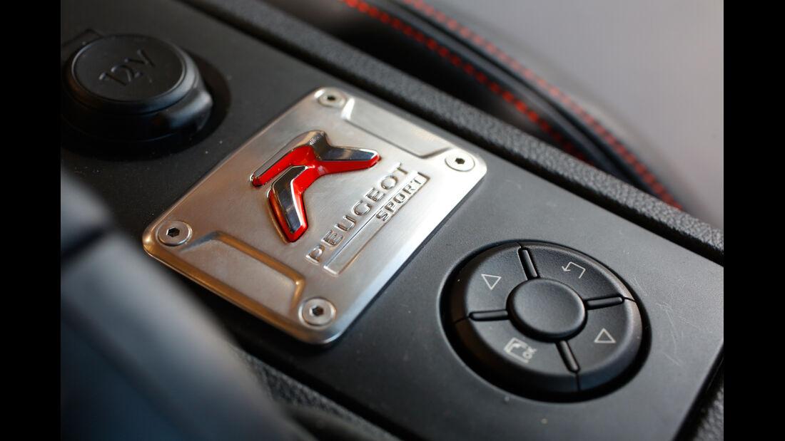 Peugeot RCZ R, Mittelkonsole, Bedienelemente
