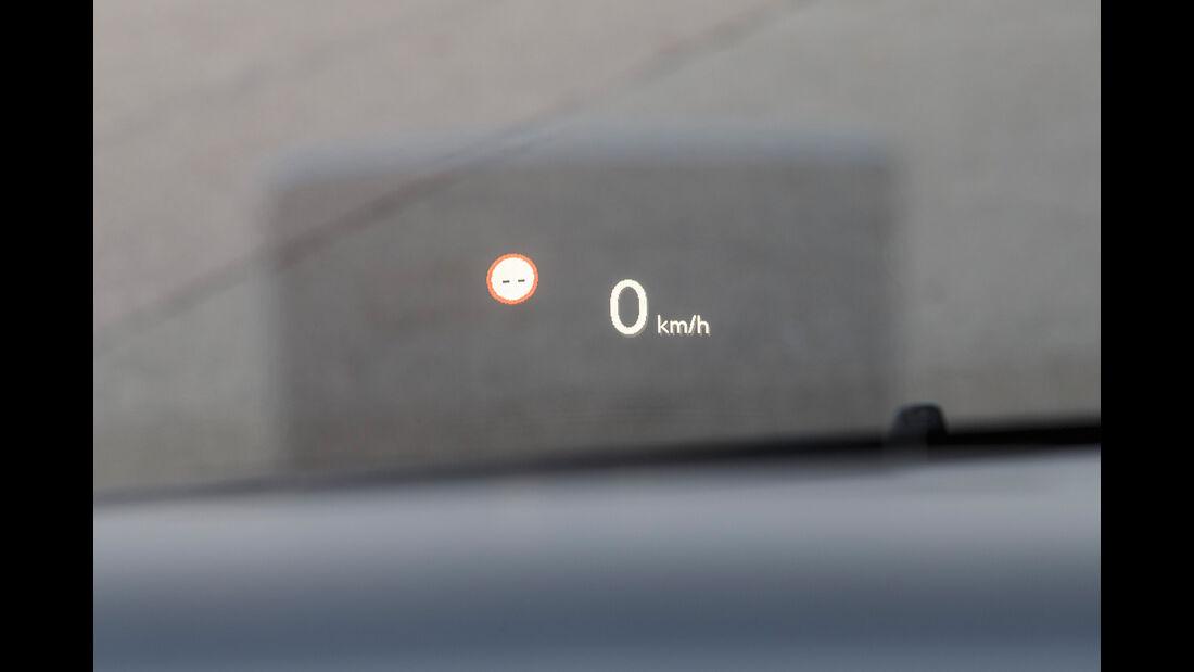 Peugeot Traveller HDi 150 L2, virtuelles Cockpit
