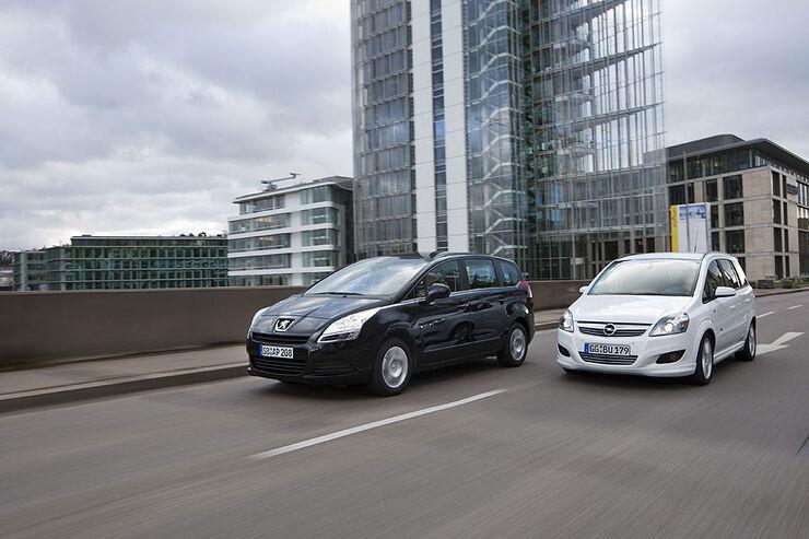 Peugeot gegen Opel