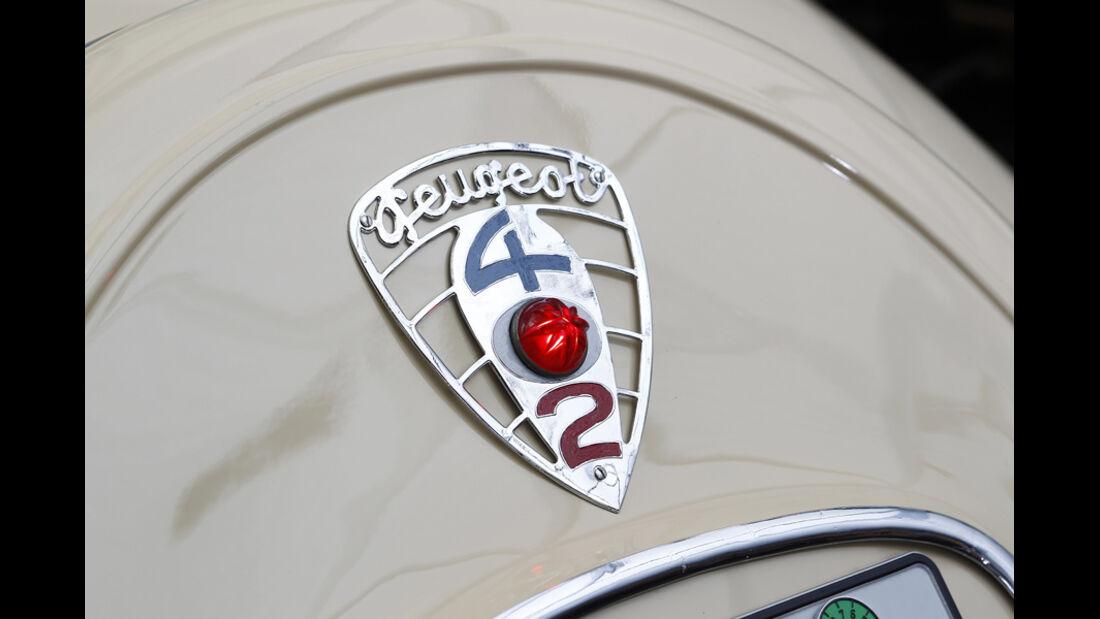 Peugot 402 Eclipse, Heck, Detail, Emblem