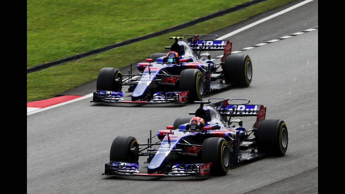 Pierre Gasly & Carlos Sainz - Toro Rosso - Formel 1 - GP Malaysia - Sepang - 29. September 2017