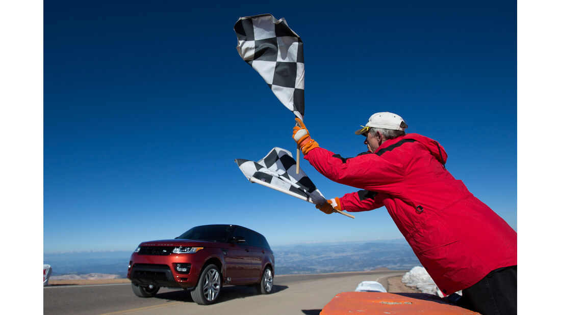Pikes Peak, Range Rover Sport V8 5.0 SC, Zielflagge