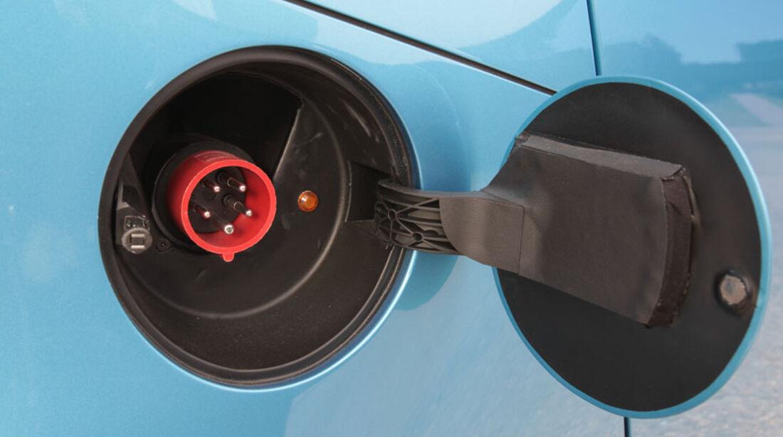 Pininfarina Nido EV, Ladekabel-Anschluss