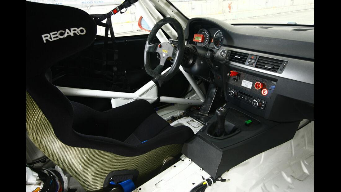 Pirelli-BMW M3 GT4 Cockpit