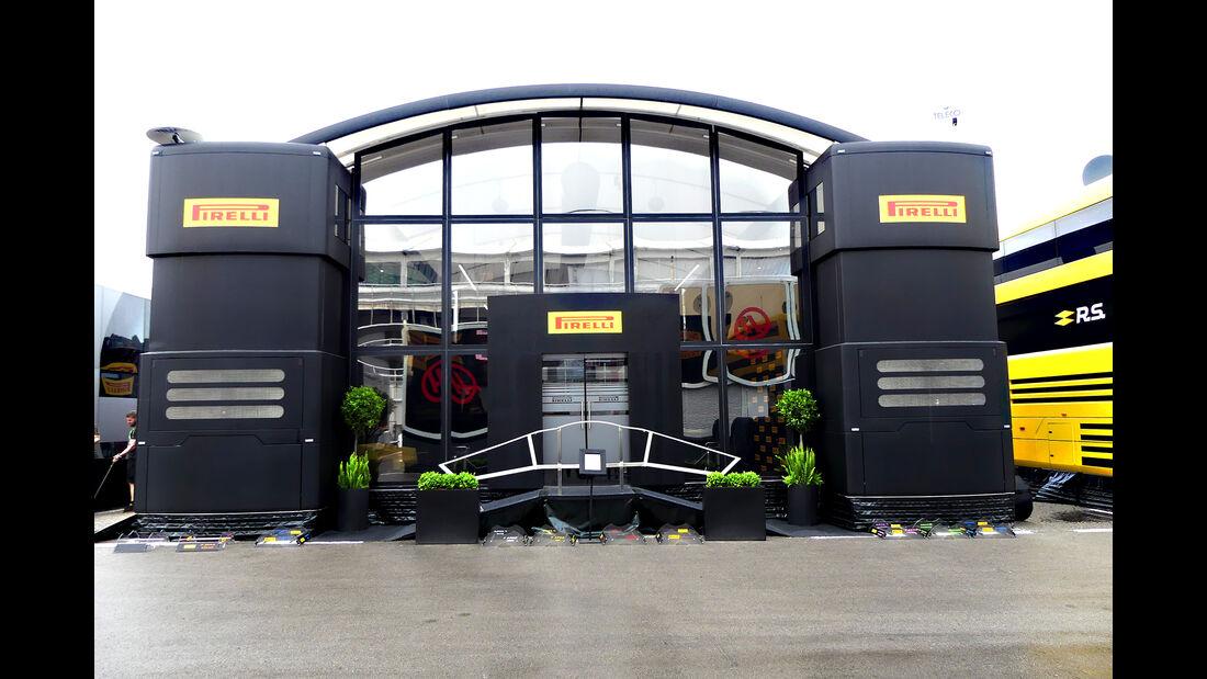 Pirelli - F1-Motorhomes - GP Spanien 2018