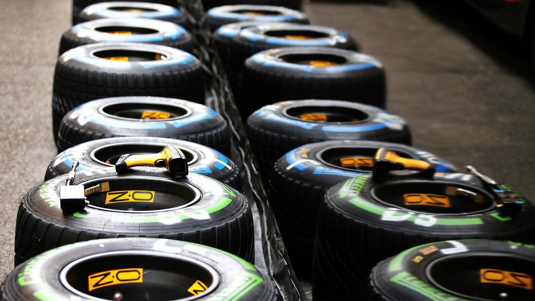 [Imagen: Pirelli-Formel-1-GP-Belgien-Spa-Francorc...718214.jpg]