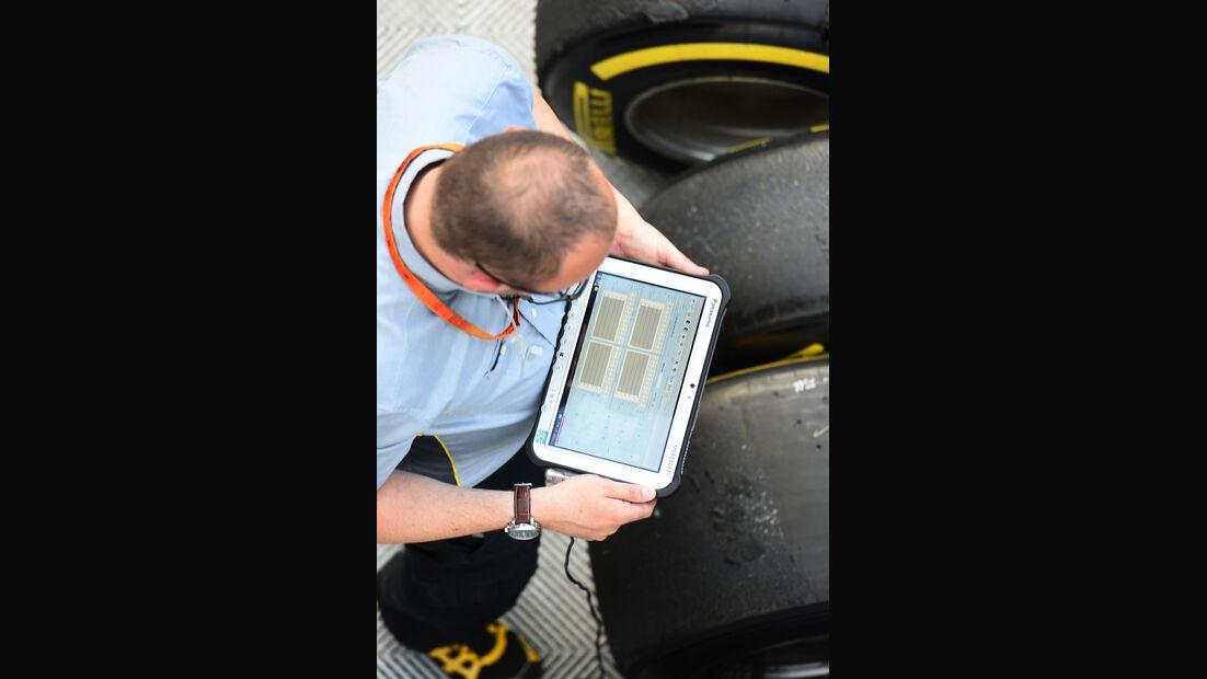 Pirelli - GP Spanien 2016 - Qualifying - Samstag - 14.5.2016