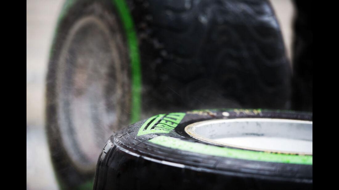 Pirelli - Intermediates - GP Russland - Sochi - Freitag - 9.10.2015