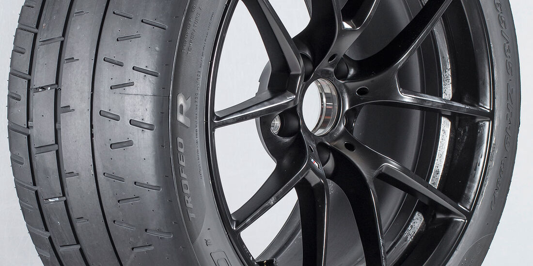 Pirelli P Zero Trofeo R - Semi-Slick - Sommerreifentest 2018 - sport auto