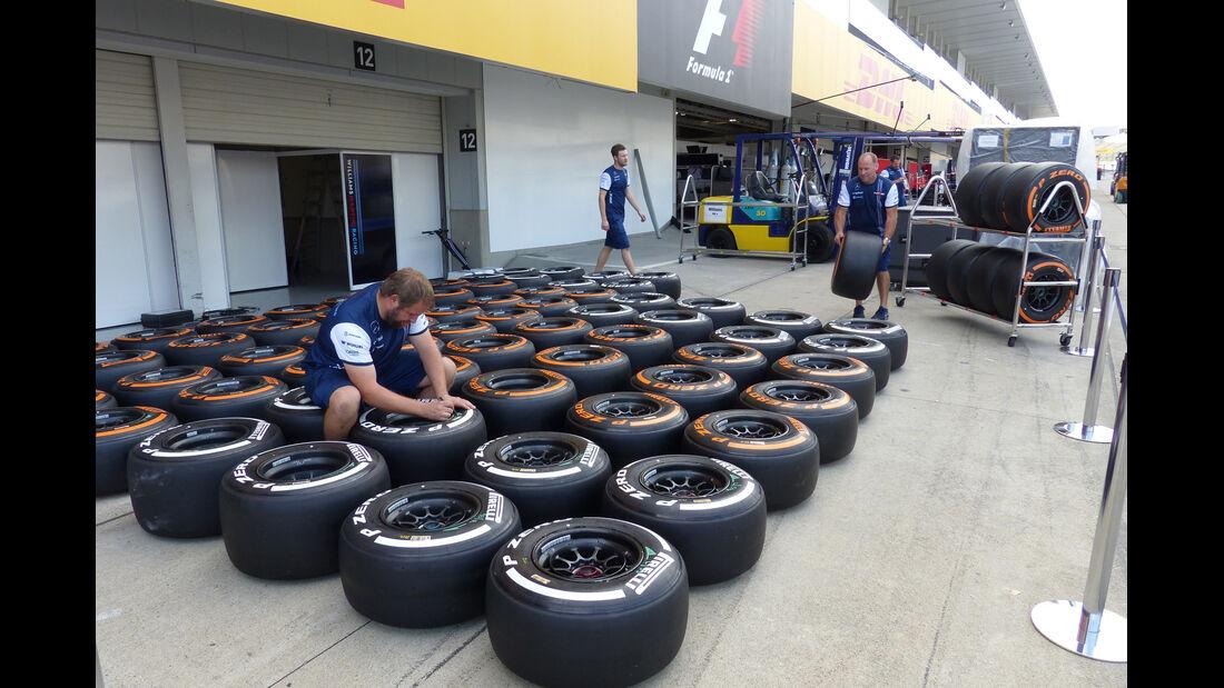 Pirelli-Reifen - Formel 1 - GP Japan - Suzuka - 23. September 2015