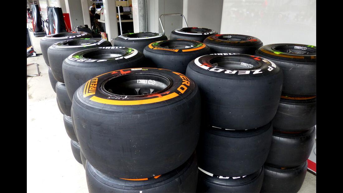 Pirelli-Reifen - Formel 1 - GP Japan - Suzuka - 24. September 2015