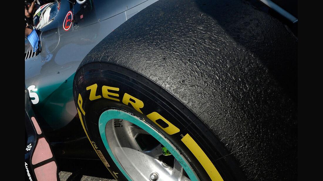 Pirelli-Reifen - Lewis Hamilton - 2015