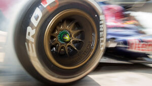 Pirelli Reifen Medium Toro Rosso GP China 2013