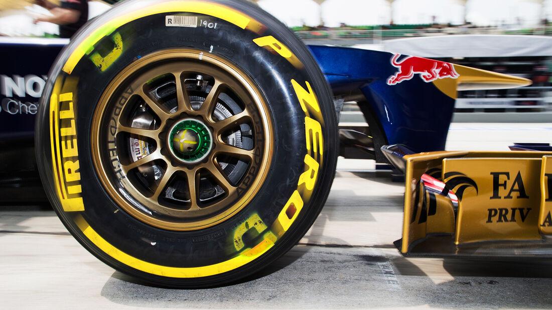 Pirelli Reifen Toro Rosso 2013