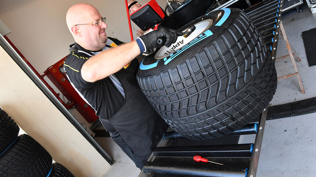 Pirelli Reifenmontage - Formel 1