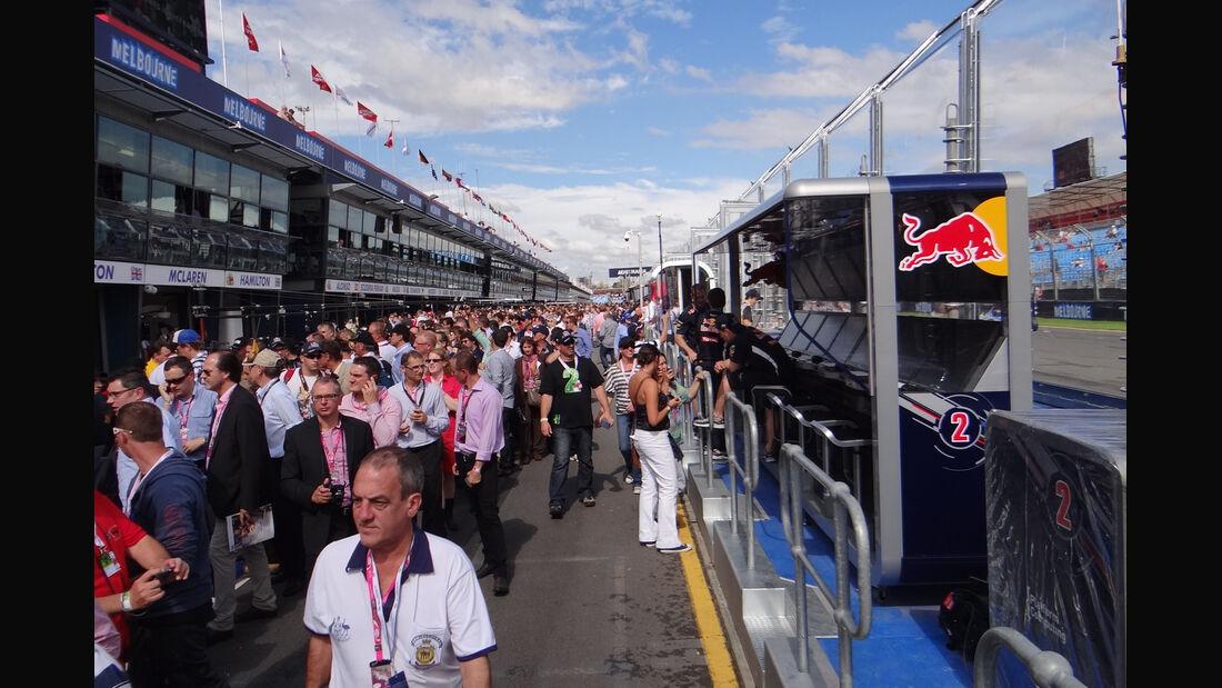 Pitwalk - GP Australien - Melbourne - 16. März 2012