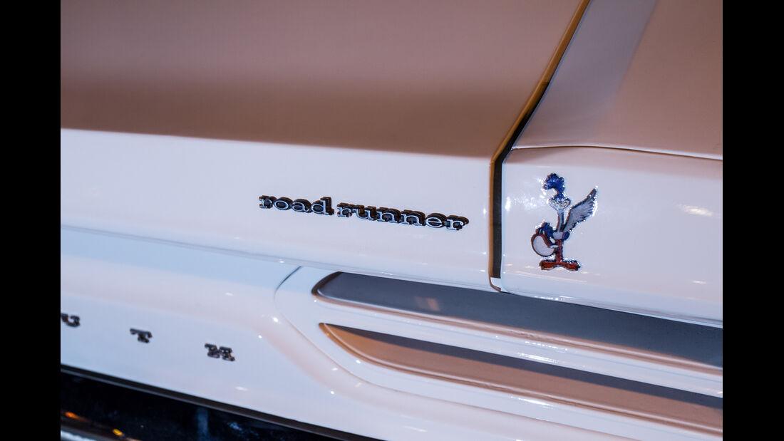 Plymouth Superbird, Aufschrift