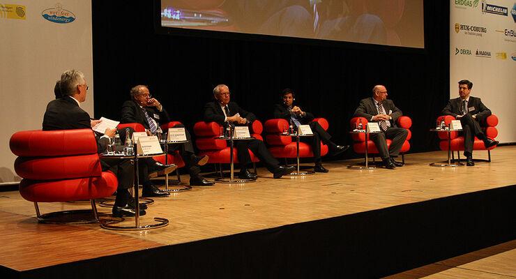 Podiumsdiskussion auto motor und sport-Kongress