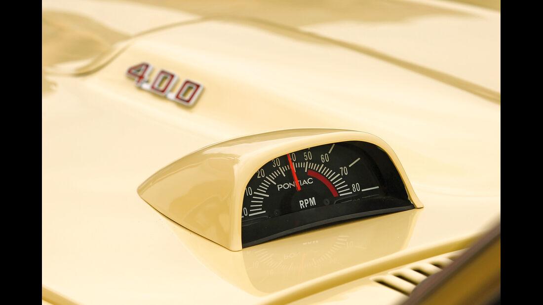 Pontiac Firebird 400 Coupe Serie 223, Drehzahlmesser