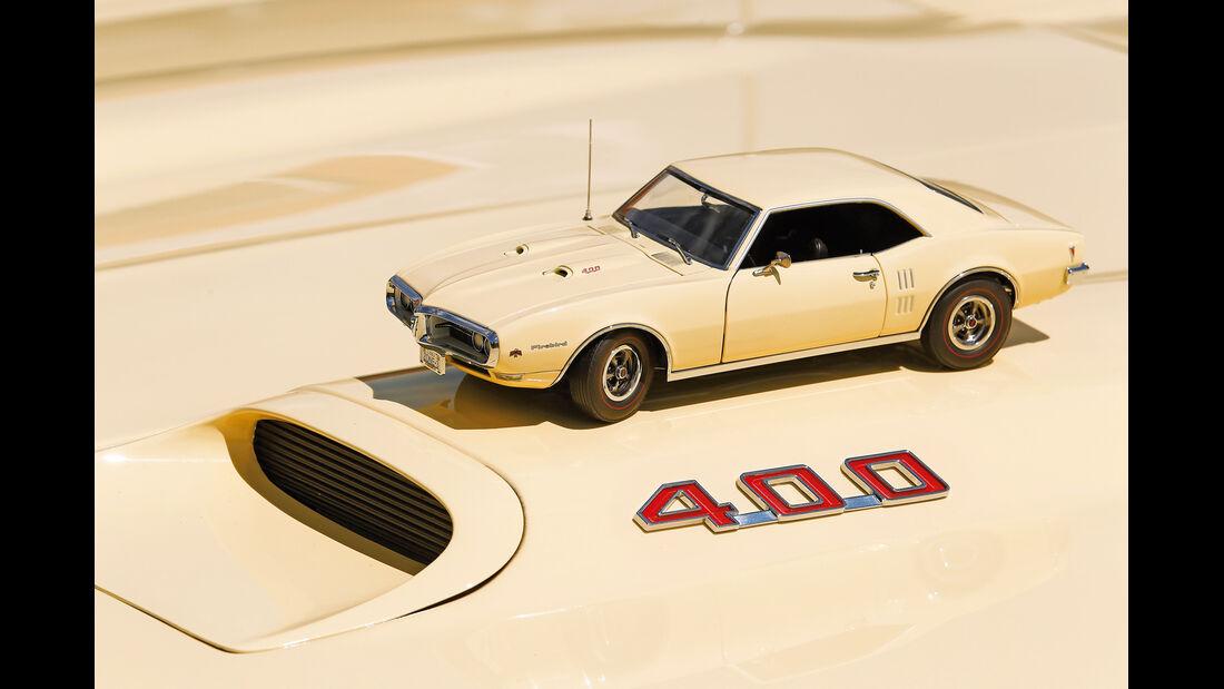 Pontiac Firebird 400 Coupe Serie 223, Modell