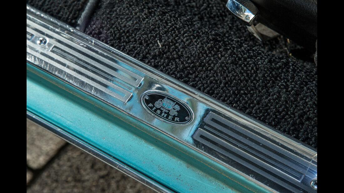 Pontiac Firebird 400, Fußleiste