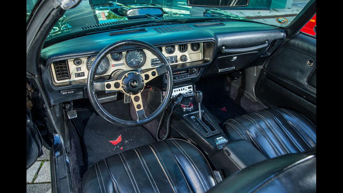 Pontiac Firebird Trans Am, Cockpit