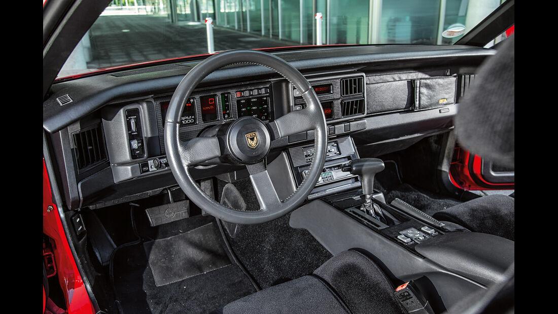 Pontiac Firebird Trans Am GTA, Cockpit
