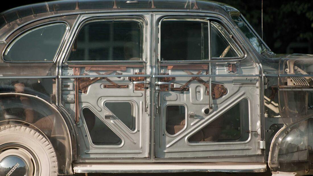 "Pontiac Plexiglas Deluxe Six ""Ghost Car"" (1939)"