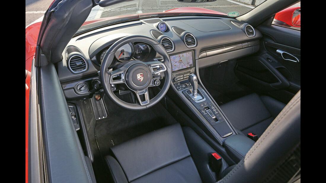 Porsche 718 Boxster S, Cockpit