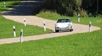 Porsche 901 auf der Landstraße