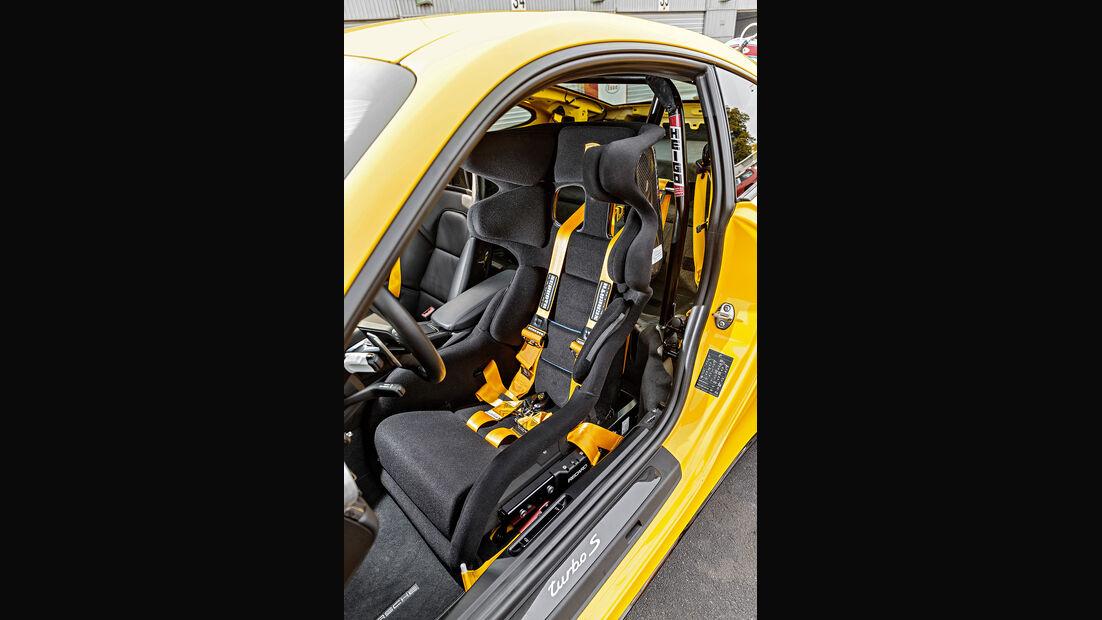 Porsche 911 991.2 Turbo S, Schalensitz, Sechspunktgurt