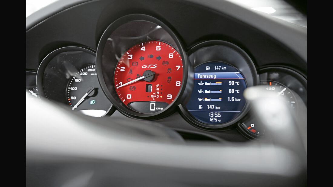 Porsche 911 Carerra GTS, Rundinstrumente