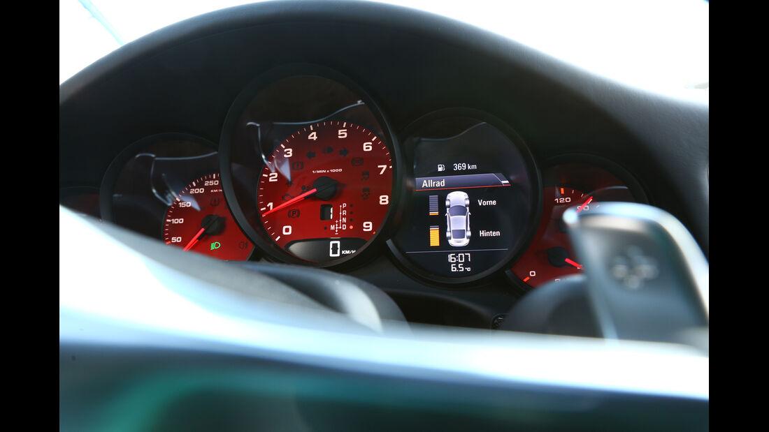 Porsche 911 Carrera 4S, Rundinstrumente