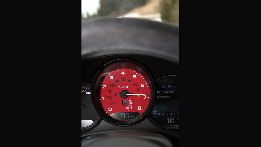 Porsche 911 Carrera GTS, Anzeigeinstrument