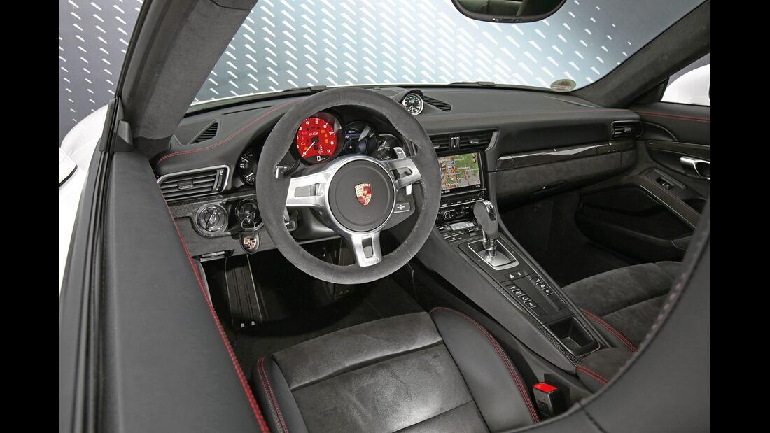 Porsche 911 Carrera GTS, Cockpit