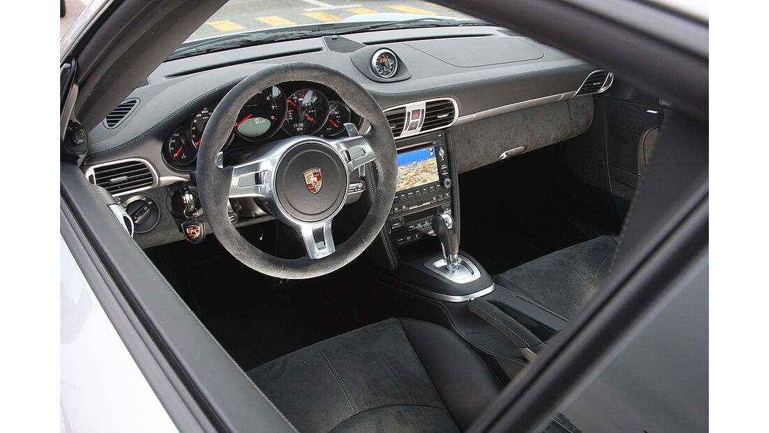 Porsche 911 Carrera GTS, Cockpit, Innenraum