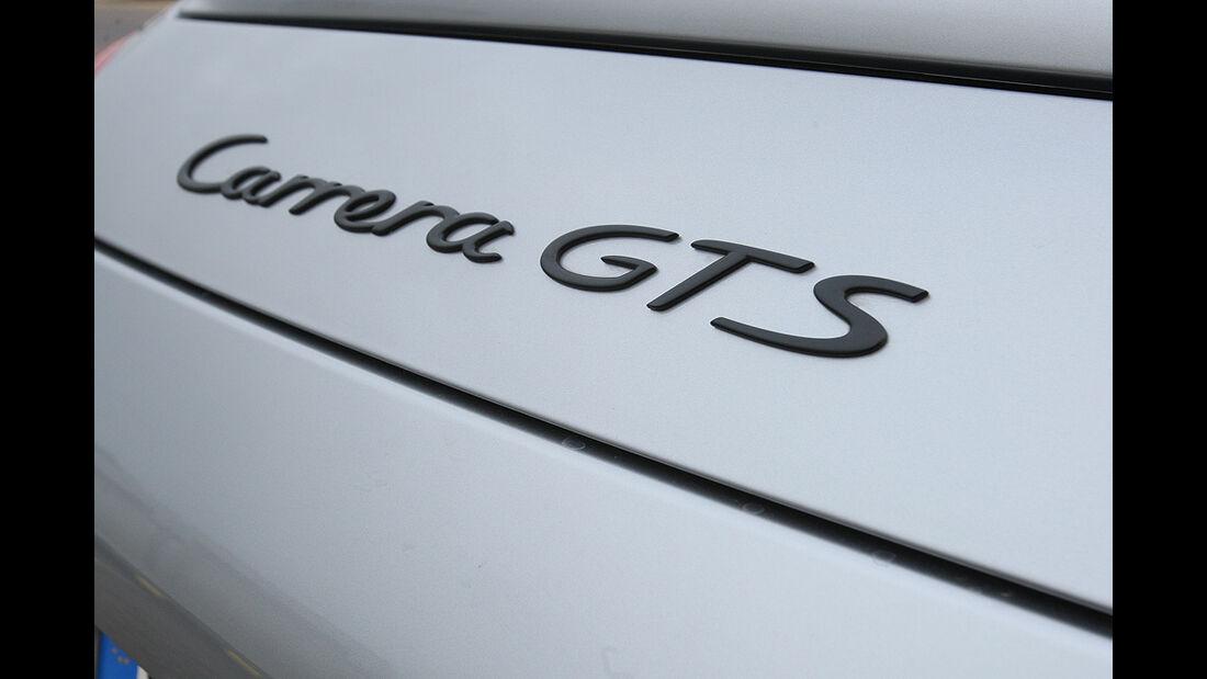Porsche 911 Carrera GTS, Schriftzug