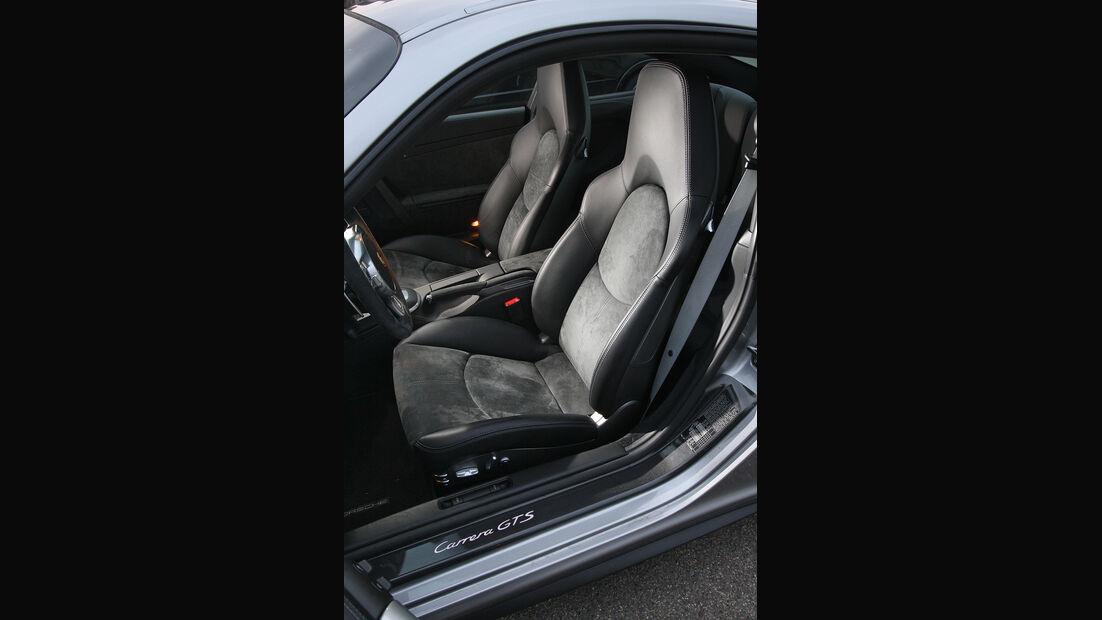 Porsche 911 Carrera GTS, Sitze