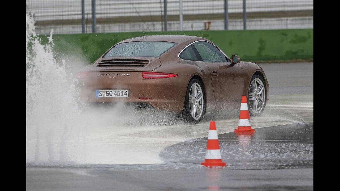 Porsche 911 Carrera, Nässe. ESP