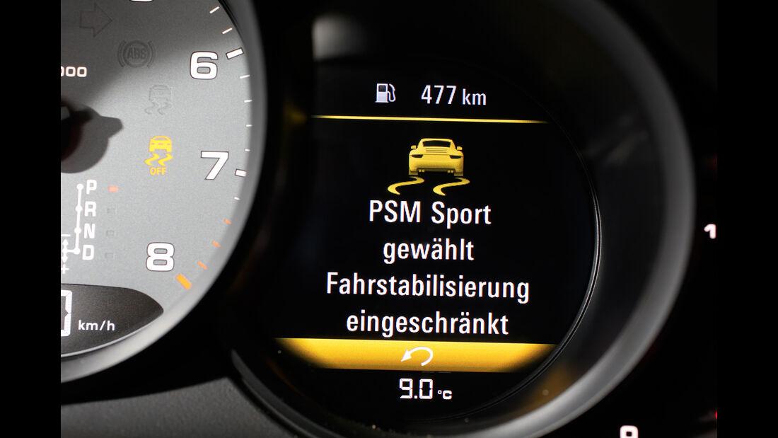 Porsche 911 Carrera S, Anzeige